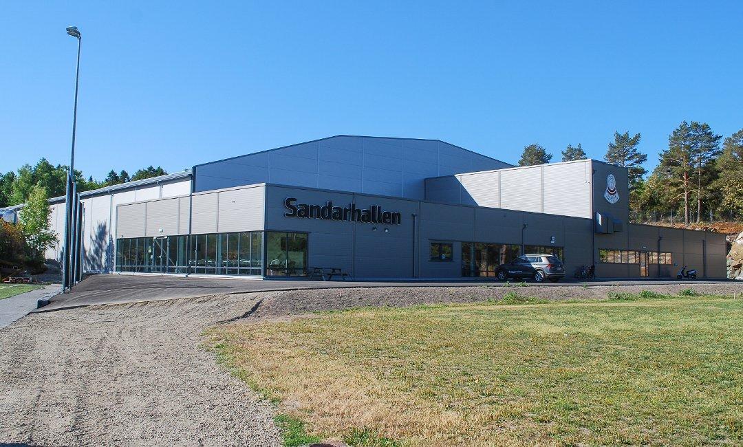 Sandarhallen-flerbrukshall-fotballhall-garderober